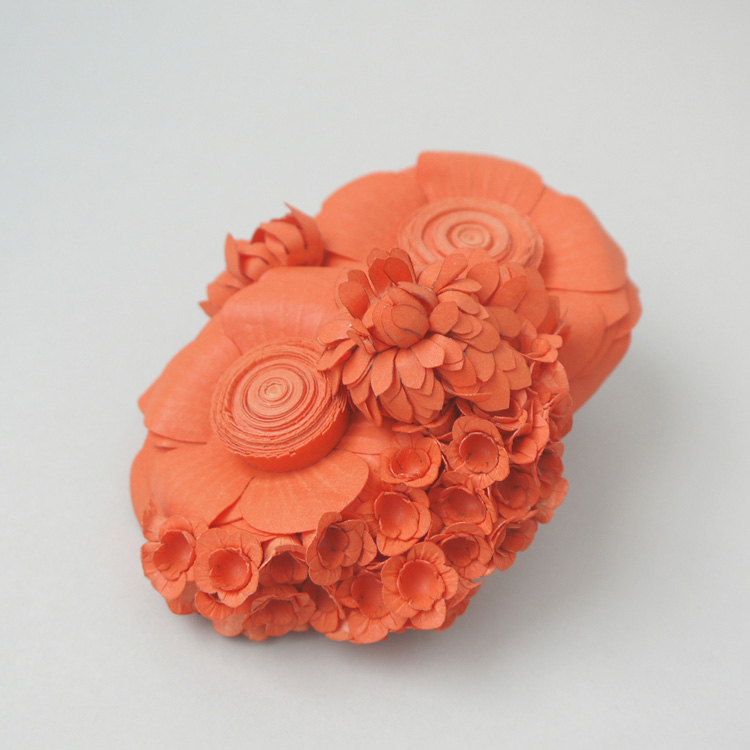 broche orange L voorzijde 2