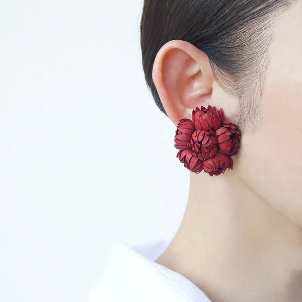 stud earring nadeshiko red-a